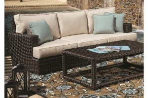 Wicker Outdoor Furniture - Dwell Home Furnishings - Coralville